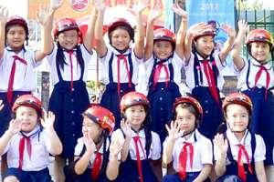 May đồng phục học sinh tại quận 8