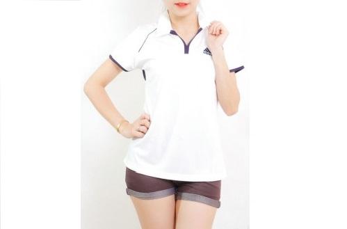 Áo thun đồng phục nữ tay ngắn cổ trụ màu trắng viền nâu