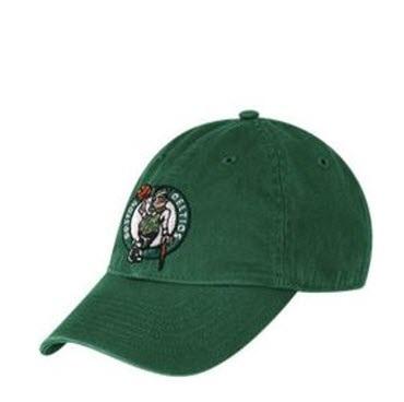 Đồng phục nón kết đồng phục màu xanh lá có thêu logo